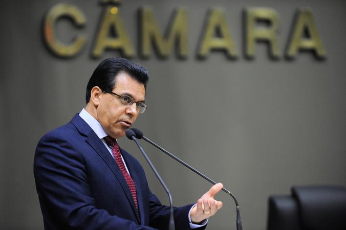 Movimentação de Plenário. Na foto, o vereador Alvoni Medina.