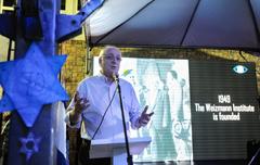 Presidente Valter Nagelstein participa do Iom Hazikaron e Iom Haatzmaut - 70 anos do Estado de Israel no Colégio Israelita. Na foto, o presidente da Federação Israelita RS Zalmir Chwartzmann.