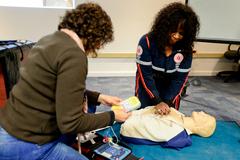 Cursos poderão ser ministrados por médicos, enfermeiros, técnicos em enfermagem, PMs e bombeiros