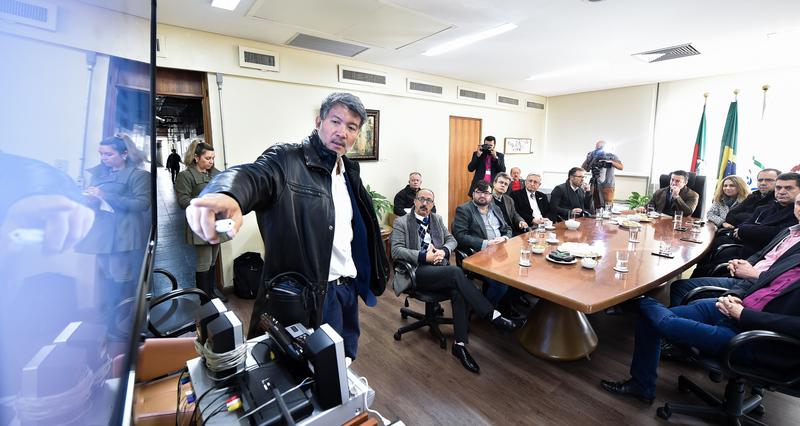Visita do Secretário da Infraestrutura de Porto Alegre, Paulo Nakamura.