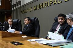 Movimentação de plenário. Na foto, vereador José Freitas na presidência