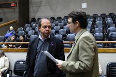 Movimentação de plenário. Na foto, vereadores Paulinho Motorista e Professor Alex Fraga