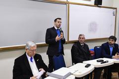 Comissão Especial do IPTU faz reunião extraordinária no Colégio Rosário. Na foto, secretário municipal da Fazenda, Leonardo Busatto, ao microfone