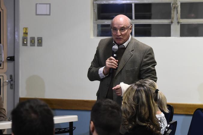 Comissão Especial do IPTU faz reunião extraordinária no Colégio Rosário. Na foto, manifestação do público