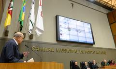 Sessão Solene de outorga do Troféu Câmara Municipal de Porto Alegre à empresa Rudder Segurança Ltda. Na foto, o vereador Reginaldo Pujol.