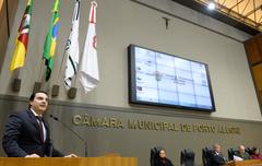 Sessão Solene de outorga do Troféu Câmara Municipal de Porto Alegre à empresa Rudder Segurança Ltda. Na foto, o diretor da Rudder, Carlos Laud.