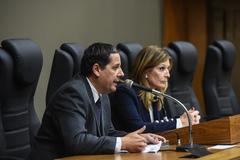 Ramos, da Ampritec, com a vereadora Mônica Leal
