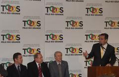 Nagelstein (e) acompanha discurso do ministro da Saúde