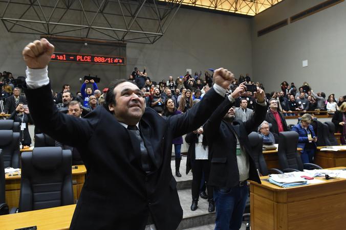 Movimentação de Plenário. Na foto: vereador Dr. Thiago Duarte