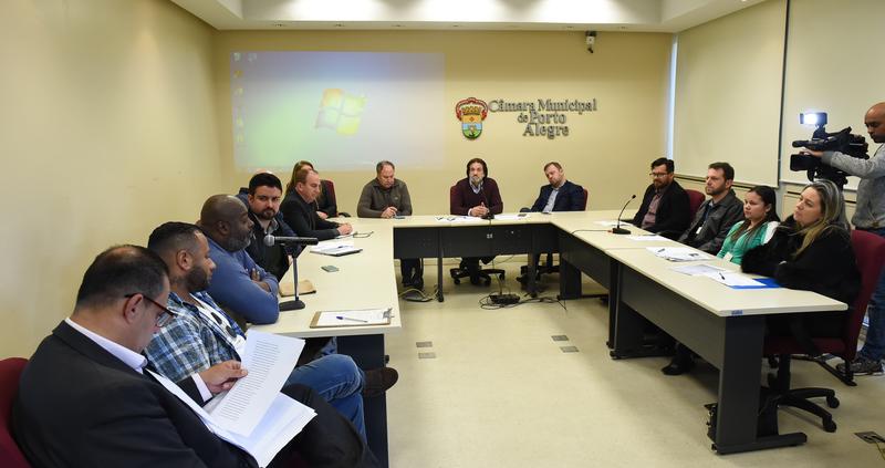 Na foto o Sr.luiz Fernando Alves.Vice presidente da Academia de Samba.