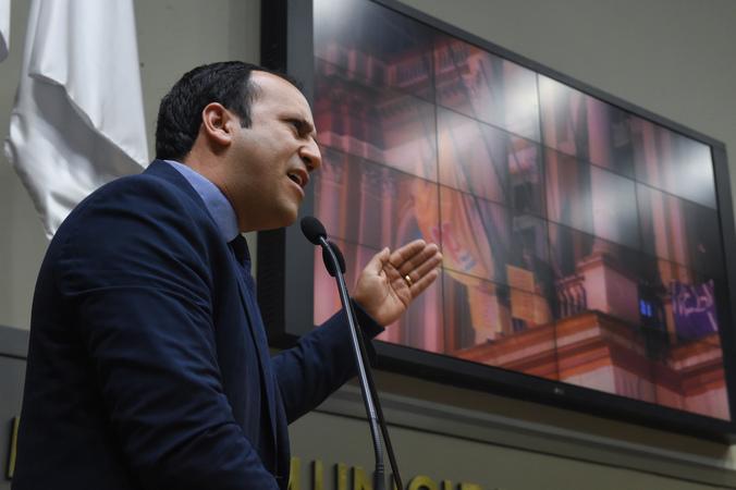 Movimentação de plenário. Na foto, o vereador Moisés Barboza.