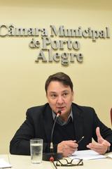 Projeto de Lei sobre estações rádio base. Na foto: secretário municipal do desenvolvimento econômico, Leandro Lemos