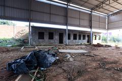 Visita à EMEF Prof. Gilberto Jorge. Na foto, quadra poliesportiva inacabada da escola