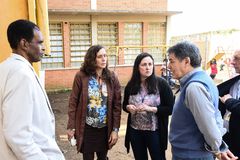 Visita à EMEF Prof. Gilberto Jorge. Na foto, vereadores Cassiá Carpes, Tarciso Flecha Negra e Sofia Cavedon com a diretora da escola, Adriana Moreira