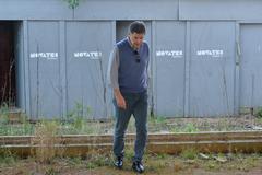Visita à EMEF Prof. Gilberto Jorge. Na foto, o vereadore Cassiá Carpes visita a quadra poliesportiva.