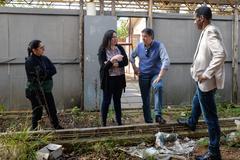 Visita à EMEF Prof. Gilberto Jorge. Na foto, vereadores Cassiá Carpes e Tarciso Flecha Negra com a diretora da escola, Adriana Moreira