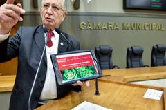 Movimentação de plenario. Na foto, o vereador João Carlos Nedel.