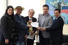 Presidente Valter Nagelstein e vereador Alvoni Medina recebem o diretor-presidente da Câmara de Comércio e Indústria Japonesa do Rio Grande do Sul, Yoshiji Wada.