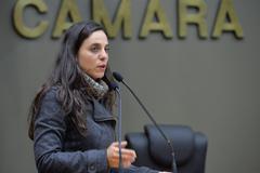 Movimentação de plenario. Na foto, a vereadora Fernanda Melchionna.