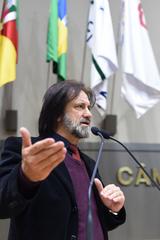 Movimentação de plenário. Na foto, o vereador Aldacir Oliboni.