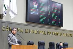 Movimentação de Plenário. Na foto, o representante do Conselho Regional de Economia, Conselheiro João Carlos Medeiros Madail.