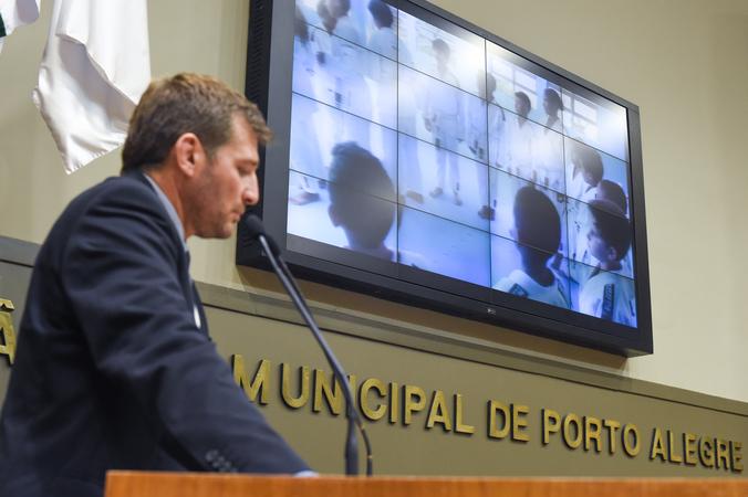 Movimentação de Plenário. Na foto, o vereador Guilherme Paradeda.