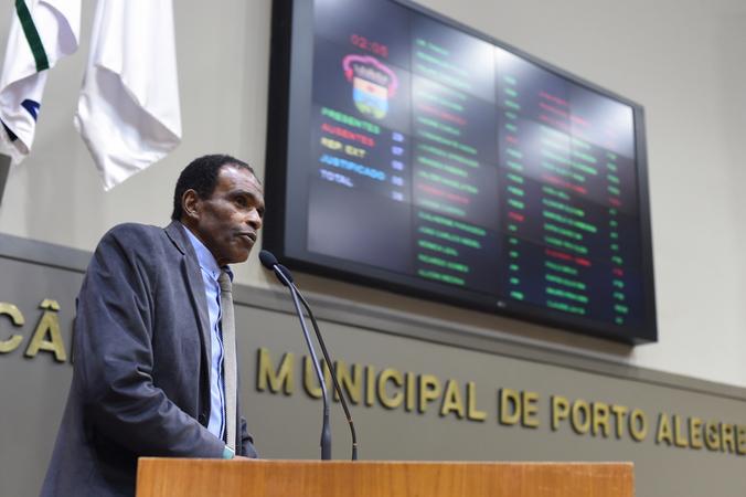 Movimentação de Plenário. Na foto, o vereador Tarciso Flecha Negra.