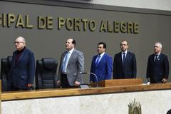 Sessão Solene de outorga dos títulos de Cidadão de Porto Alegre a Antônio Carlos Gomes da Silva e a Sérgio Peres Alós.