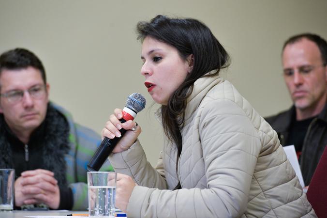Reunião da Cedecondh sobre a PLL 321/2017, que institui homenagem às mulheres vítimas de feminicídio em Porto Alegre. Na foto a representante do Conselho Municipal dos Direitos da Mulher (Condim), Fernanda Machado.