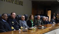 Cerimônia foi acompanhada por representantes de diversas forças públicas