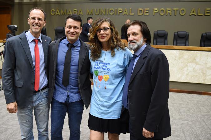 Movimentações de plenário. Na foto, os vereadores Marcelo Sgarbossa, Leonal Radde, Sofia Cavedon e Aldacir Oliboni.