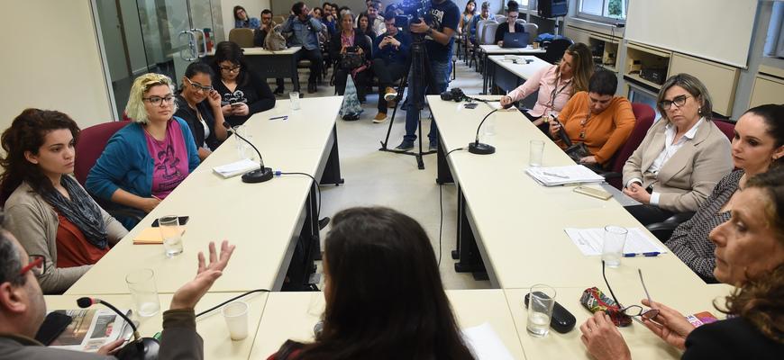 Vereadoras e vereador receberam mulheres da ocupação e representantes do Executivo