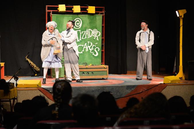 """""""O Hipnotizador de Jacarés"""" na IV Mostra de Artes Cênicas e Música do Teatro Glênio Peres"""