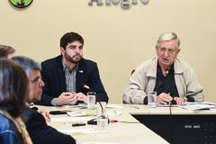 Apresentação do relatório das atividades do Observatório Social de Porto Alegre (OSPOA) referente ao 2º quadrimestre de 2018. Na foto, vereadores Felipe Camozzato e João Carlos Nedel
