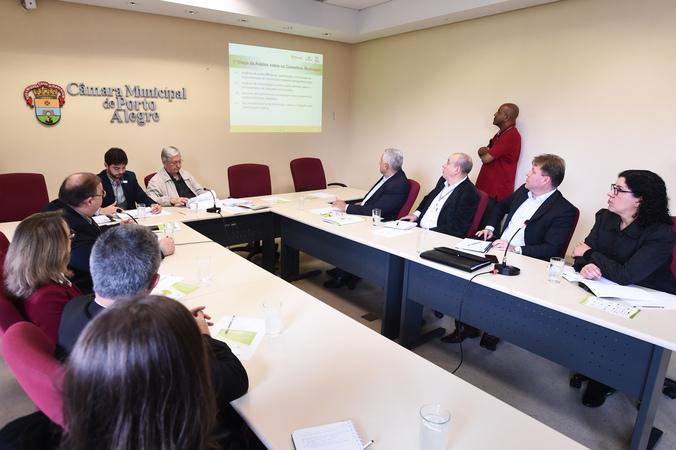 Apresentação do relatório das atividades do Observatório Social de Porto Alegre (OSPOA) referente ao 2º quadrimestre de 2018. (Foto: Ederson Nunes/CMPA)