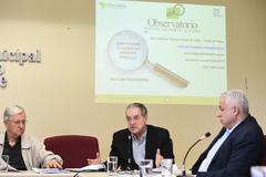 Apresentação do relatório das atividades do Observatório Social de Porto Alegre (OSPOA) referente ao 2º quadrimestre de 2018. Vereador Idenir Cecchim ao microfone