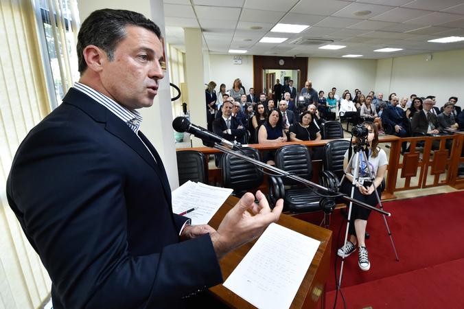 Sessão Solene em Homenagem Póstuma aos Magistrados Tribunal de Justiça Militar RS. Na foto, ao microfone, o presidente Valter Nagelstein.
