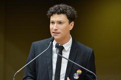 Victorino é o mais jovem vereador da Câmara e militante da causa LGBT