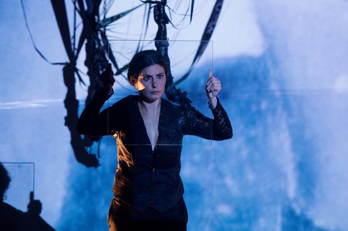 """Espetáculo de dança """"Às vezes, eu Kahlo"""", na IV Mostra de Artes Cênicas e Música do Teatro Glênio Peres."""
