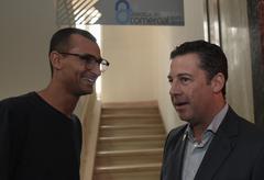 Presidente da CMPA, vereador Valter Nagelstein (d), participa do evento Tá na Mesa, da Federasul, com a participação de Edu Lyra (camiseta preta)
