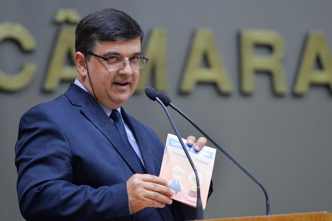 Período de Comunicações em homenagem ao Dia do Idoso. Na foto, na tribuna, o vereador José Freitas.