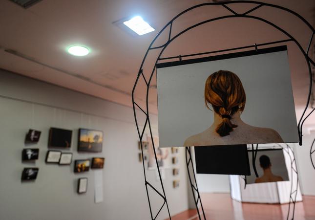Exposição Vibrações Urgentes, no no T Cultural Tereza Franco.