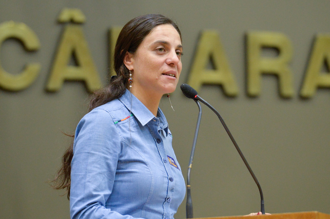 Movimentações de plenário. Na foto, a vereadora Fernanda Melchionna.