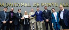 Dirce Gomes recebeu diploma alusivo à data