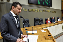 Homenagem  à Escola Municipal de Ensino Fundamental Vereador Carlos Pessoa de Brum, pelo transcurso de seu 30º aniversário. Na foto, o diretor da escola, Felipe Dornelles
