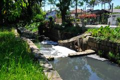 Visita ao Bairro Jardim Itu, para verificar a falta de saneamento básico na localidade.