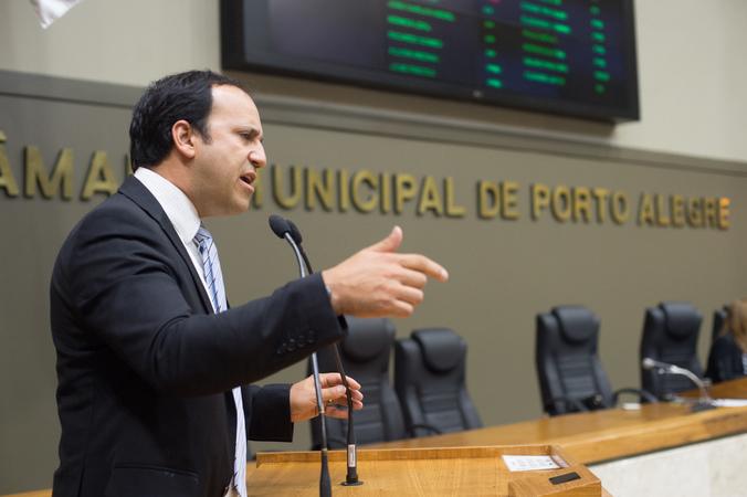 Movimentações de plenário. Na foto, o vereador Moises Barboza.