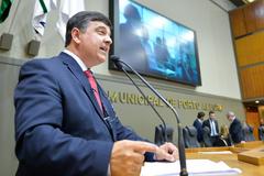 Movimentações de plenário. Na foto, ao microfone, o vereador José Freitas.