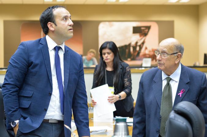 Movimentações de plenário. Na foto, os vereadores Moisés Barboza e Reginaldo Pujol.