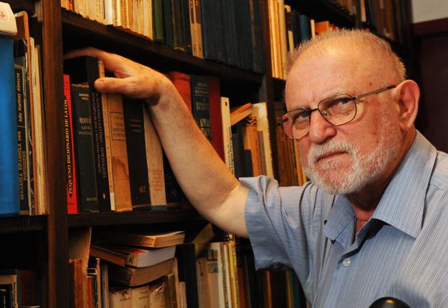 O escritor Armindo Trevisan, retratado no documentário Um Homem de Fé.